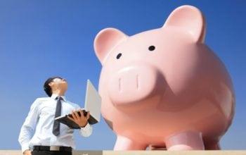 Cat economisesti daca cumperi online?