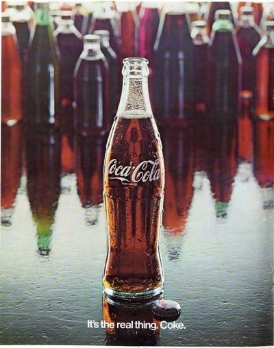 Sticla Coca-Cola implineste 100 de ani