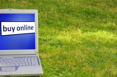 Teama de furtul datelor personale tine comertul online in loc