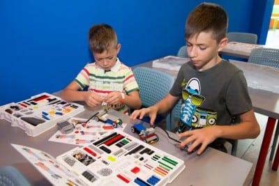 Superconstructorii LEGO sunt asteptati la AFI Palace Cotroceni (Galerie Foto)