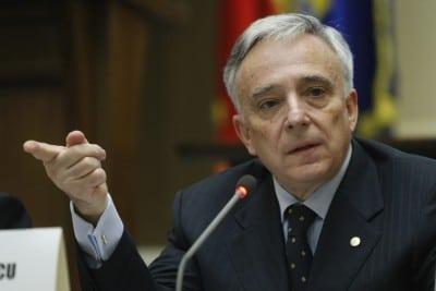 Isarescu: Nu exista substitut la politicile macroeconomice echilibrate