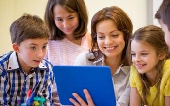 Scolile introduc noi cursuri prin programul Young Thinkers