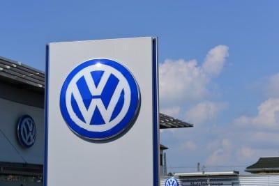 Cu cat a scazut increderea romanilor in Volkswagen?