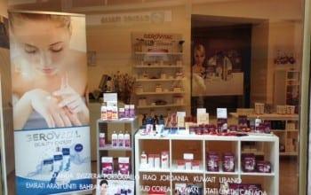 Primul magazin Farmec din Italia