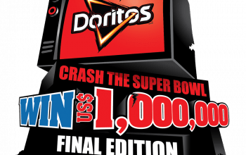 "Un roman, printre semifinalistii competitiei ""Crash the Super Bowl"""