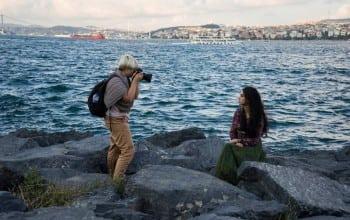 O romanca, aleasa de Facebook sa creeze campania dedicata Zilei Femeii