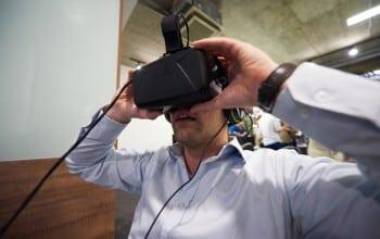 Absorbiti de realitatea virtuala