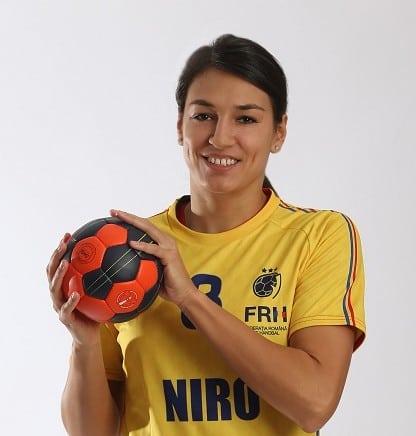 Cristina Neagu mic