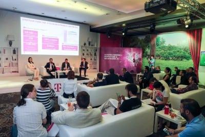 Crestere pe mobil, scadere pe fix la Telekom Romania