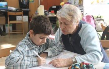 Proiectul Generatii, in sprijinul copiilor si varstnicilor