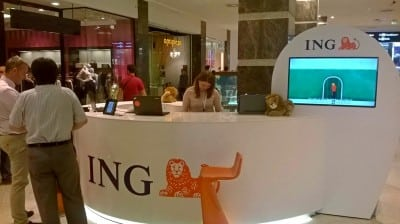 Servicii bancare instant in mall-uri