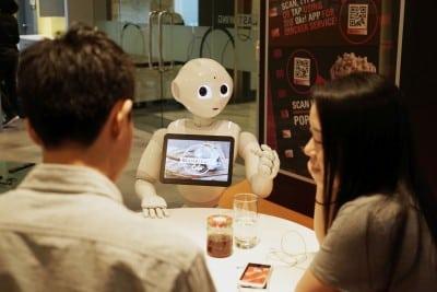 MasterCard transforma un robot in ospatar