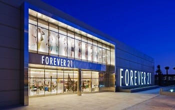 Forever 21 vine in Romania