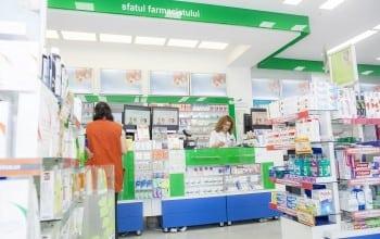 Farmacia, la un apel distanta