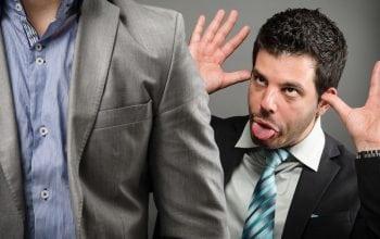 7 lucruri pe care le faci la birou și care te fac să pari neprofesionist