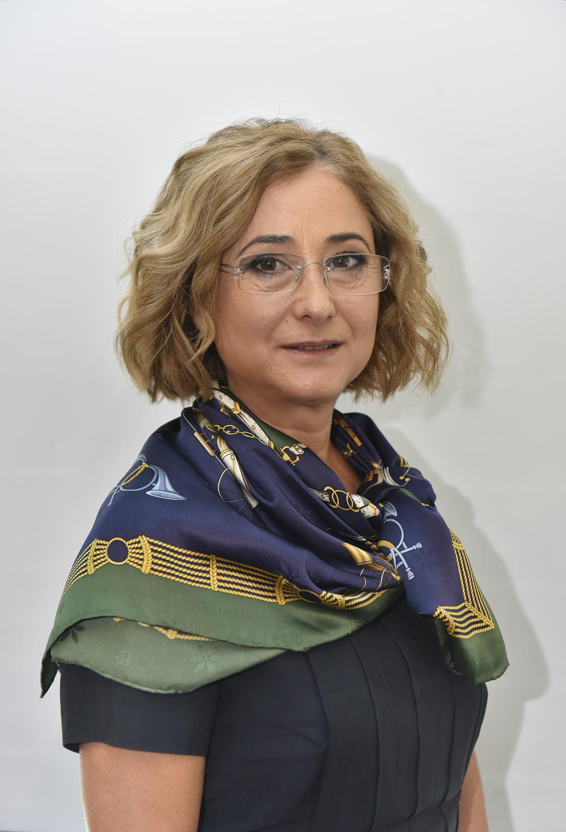 Crina Zdravcu - Director Comercial D'aucy