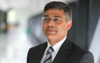 Deloitte promovează opt directori