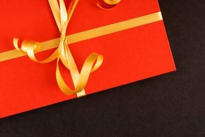 Românii cumpără online cadourile de Crăciun