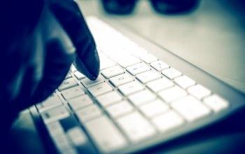 Cu ochii în patru la infractorii cibernetici