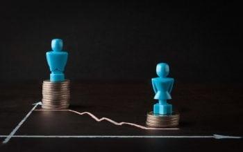 Cum eliminăm decalajul salarial între femei și bărbați?