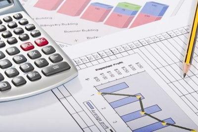 UniCredit: Cheltuielile sociale reduc creșterea economică