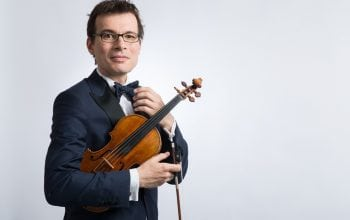 Vioara Stradivarius merge mai departe