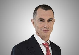 CEO-ul UniCredit, în România