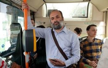 Persoanele cu deficiențe de vedere pot circula mai ușor cu mijloacele de transport în comun