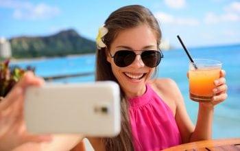 Cu smartphone-ul în vacanță