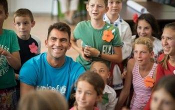 Horia Tecău susține Serviciile Comunitare pentru Copii