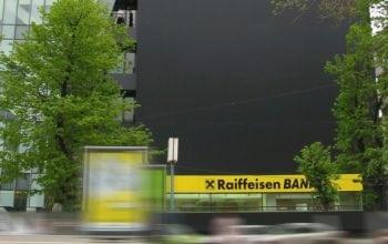 Card de credit online, de la Raiffeisen