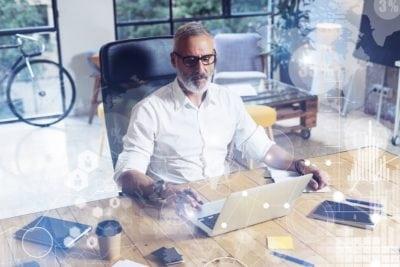 Viitorul s-a așezat la birou