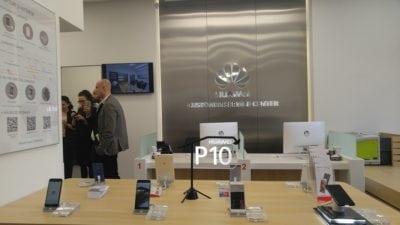 Huawei deschide în București primul Customer Service Center