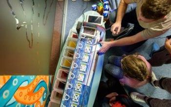 Companiile pot ajuta copiii instituționalizați să ajungă mari