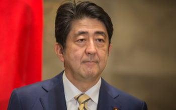Premierul Shinzo Abe vine în România