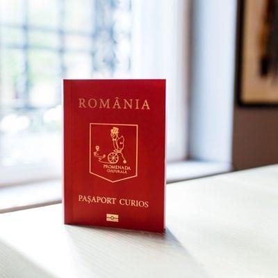 Pașaport curios, un produs editorial despre istoria, geografia și oamenii importanți din țara noastră