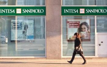 Intesa Sanpaolo urcă pe locul 11 în Topul băncilor