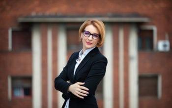 Angajații români lucrează remote cel puțin patru zile pe lună