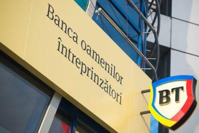 BT a început distribuirea cardurilor pentru clienții Bancpost