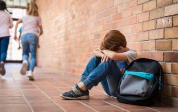 Bullying-ul interzis în școli și grădinițe, prin legea educaţiei