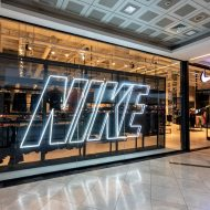 flagship store Nike